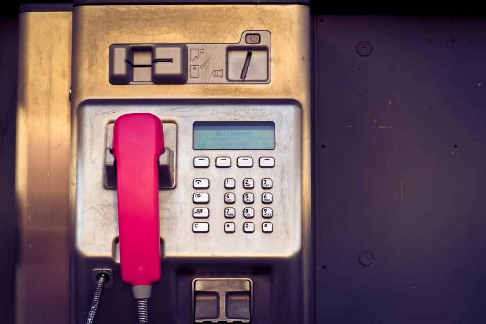 Öffentliches Telefon - Telesales oder Telemarketing - Vertriebsberatung